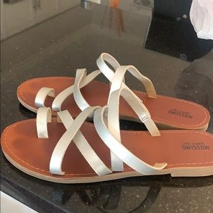 Silver strapping sandals. Size 7.5